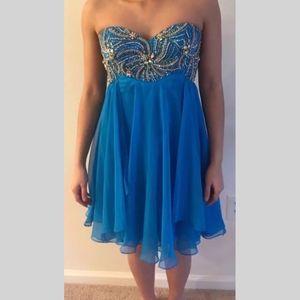 Size 4 Sherri Hill formal dress